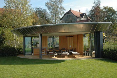 Gartenhaus in der Schweiz; Summer House in Switzerland