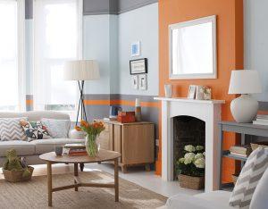 POUŽITÍ VELKÝCH BLOKŮ harmonizujících barev může mít v interiéru překvapivý účinek. Barevné kombinace místo vzorů posilují celkové designové působení. Cena je od 130 Kč/l barvy. DULUX, www.dulux.cz