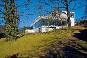 Vila manželů Grety a Fritze Tugendhatových z let 1929–1930, navržená architektem Ludwigem Miesem van der Rohe, je jako jediná památka moderní architektury v České republice zapsána na Seznamu světového kulturního dědictví UNESCO.