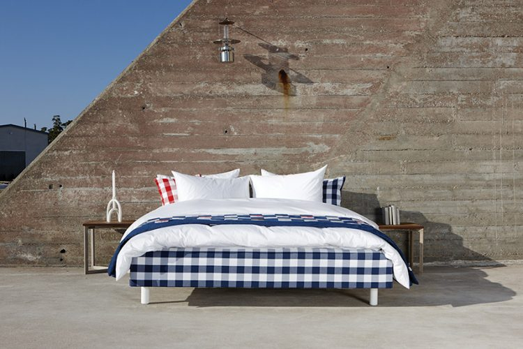 HÄSTENS MARQUIS je základním modelem, který spojuje obdivuhodný komfort s minimalistickým designem. Tato kompaktní postel s nízkým profilem často vyhovuje lidem, kteří mají rádi tvrdší postele.