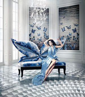 MOZAIKY S TÉMATEM Madame Butterfly od firmy Sicis jsou na designovém vrcholu. Vyniknou jak v historických prostorách, tak v moderním interiéru. Cena dle konkrétního projektu. STOPKA, www.stopka.cz
