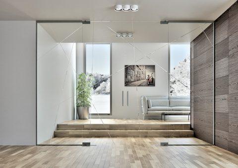JEMNÁ PAVUČINKA gravírovaných linek na bočních světlících i obou křídlech celoskleněných dveří propojuje místnost od podlahy až po strop. Stěna vzdušně předěluje prostor, do něhož vnáší moderní nadčasový design. Cena skleněné celostěny se dveřmi Sapglass je 86 326 Kč. SAPELI, www.sapeli.cz