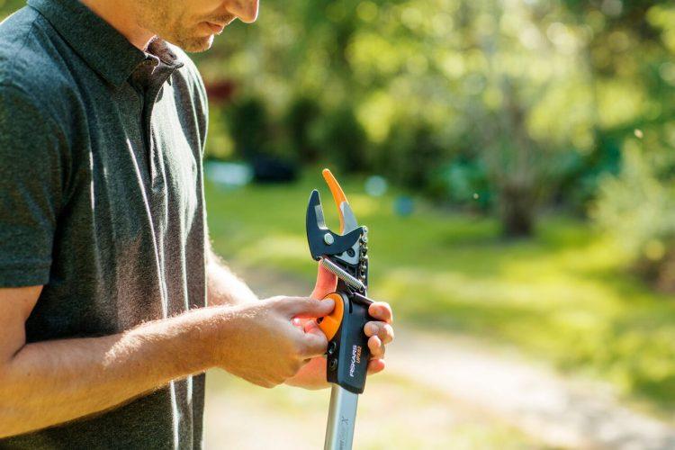 Zahradní univerzální nůžky Fiskars PGX_4