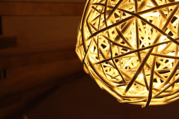 light-640768_1920